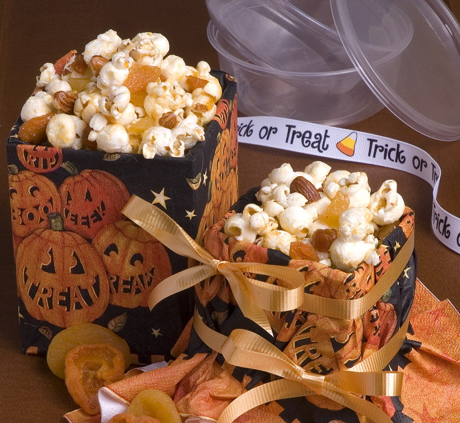 Scary-Simple Popcorn Mix