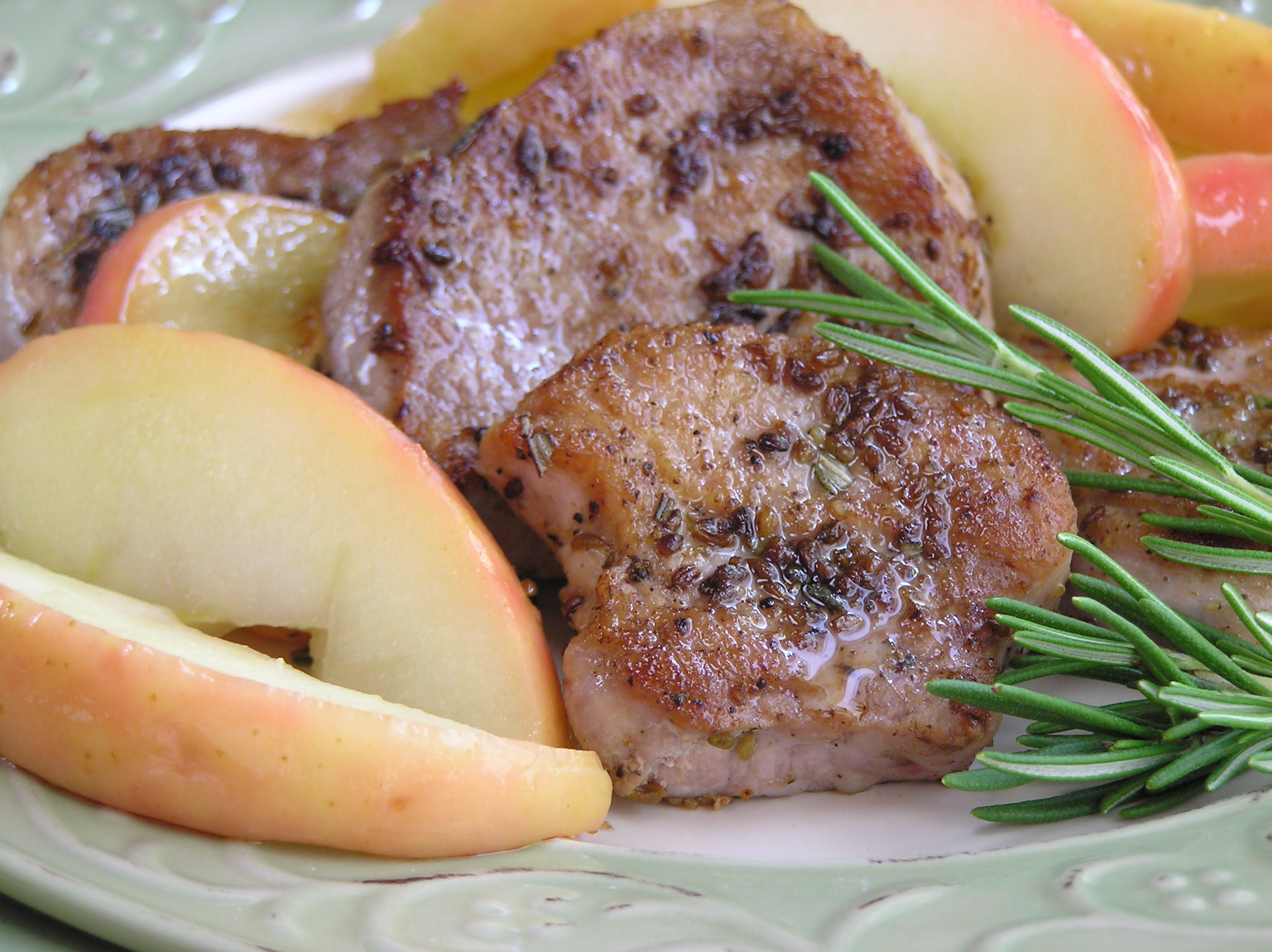 Fennel-Crusted Pork with Apples