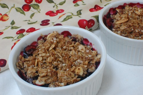 Quinoa and Oats Cherry Crisp