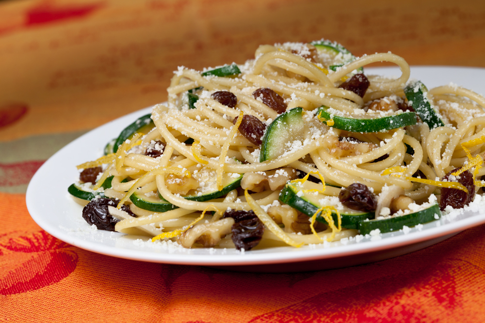 Zucchini and Raisin Pasta